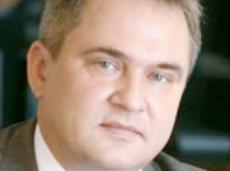 Чиновнику вменяют откат размером в 70 млн рублей при покупке офисов