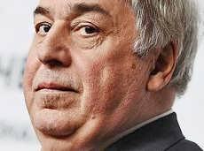 Обладатель миллиардного долга называет своих обличителей «созвездием идиотов»