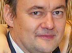 Отец гламурной англичанки, миллионер и владелец «Сибзолота» назвал себя банкротом, чтобы не платить 404 млн штрафа