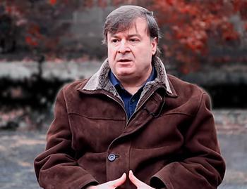 Игорь Чельдиев закопал труп жены в огороде.
