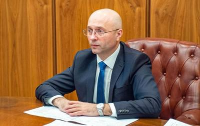 Сергея Новикова поймали с парой миллионов меченых рублей.