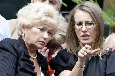 Людмила Нарусова (слева) и Ксения Собчак