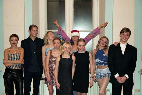 Виктор и Александр Пугачевы, Катерина и Мария Путины (в центре)