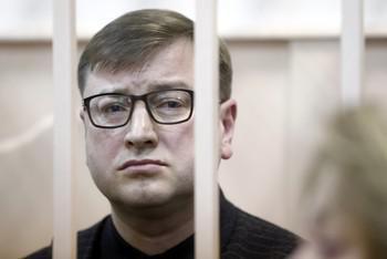 Коллекцию спиртного Дмитрия Михальченко приговорили к разбитию.