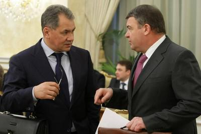 Сергей Шойгу (слева) и Анатолий Сердюков