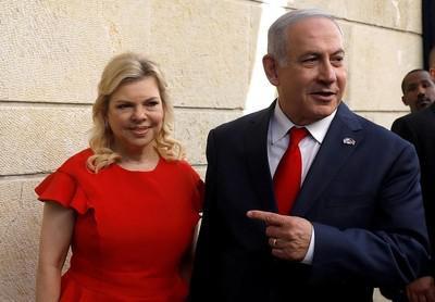 Биньямин Нетаньяху возит в США чемоданы с грязным бельем.