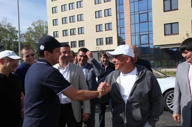 Ильсур Метшин и Рустам Минниханов (справа)