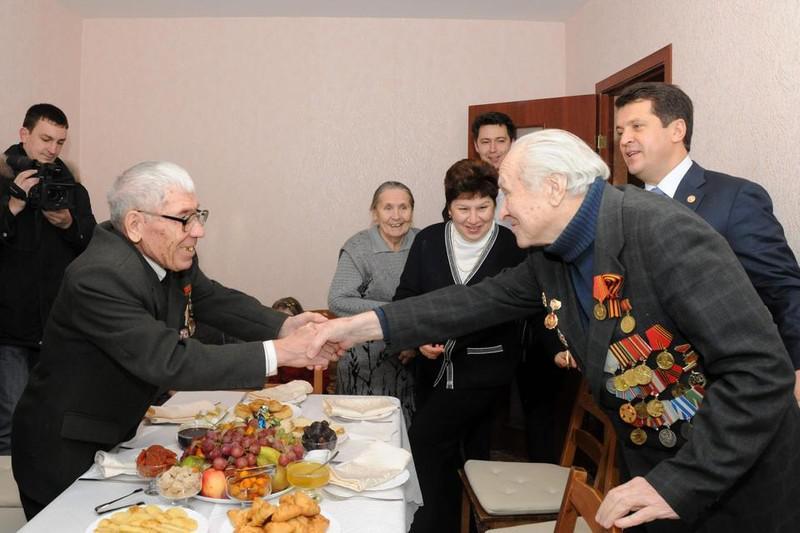 Ильсур Метшин (крайний справа)