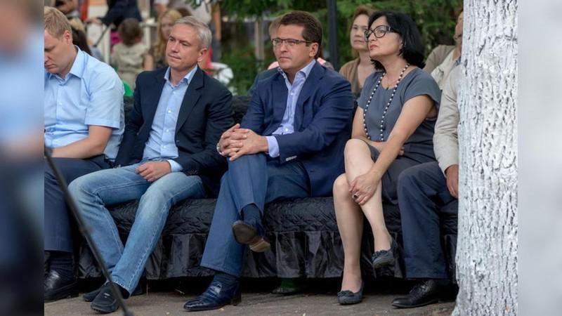 Денис Калинкин (второй слева) и Ильсур Метшин (справа)