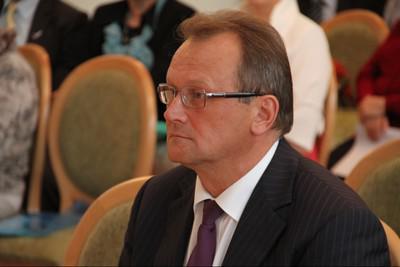 Геннадия Орлова пристроили к Александру Болучевскому.
