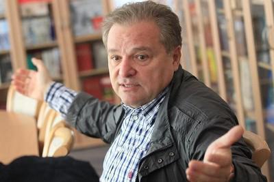 Эраста Галумова сдал металлолом.
