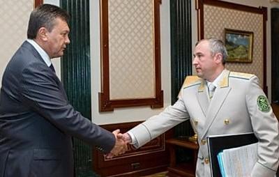 Виктор Янукович (слева) и Игорь Калетник