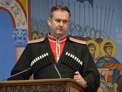 Сергей Пуликовский помогал папе по-чиновничьи.