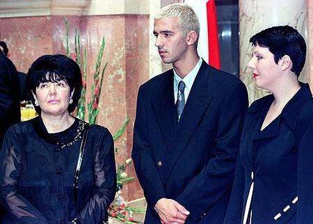 Слева направо: Мириана Маркович, Марко и Мария Милошевичи