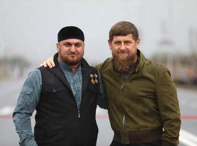 Турпал-Али Ибрагимов и Рамзан Кадыров (слева)
