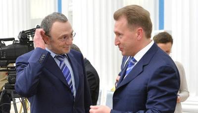 Сулейман Каримов и Игорь Шувалов (справа)