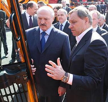 Александр Лукашенко (слева) и Александр Шакутин-старший
