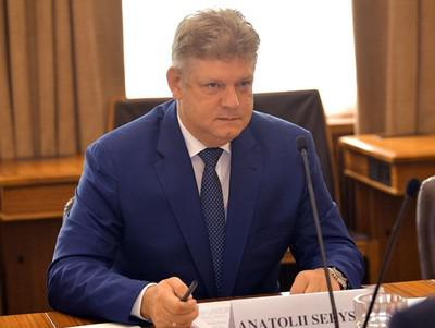 Раскачивая ковчег Анатолия Серышева.