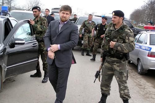 Рамзана Кадырова и его семью защищают четыре сотни росгвардейцев.