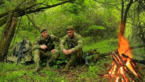 Иса Таймасханов и Сулейман Гезмахмаев (справа)