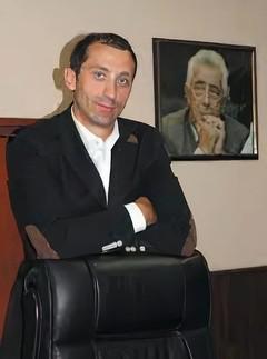 Сергей Чернышов застрял в лифте с Андреем Левченко.