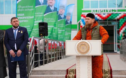 Рамзан Кадыров (справа) на церемонии открытия центра