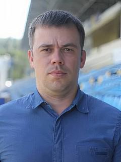Юрий Дорофеев пасовал на карман.