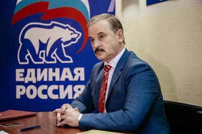 """Из """"тузов"""" бандитского капитализма в политические """"шестерки""""."""