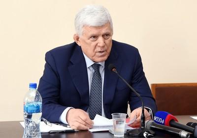 Даниял Шихсаидов отпинал без протокола.