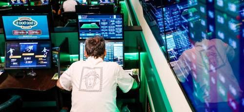 Рухнувшие банки, Яндекс.Деньги и Qiwi.
