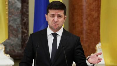 """Украина ввела санкции против """"российских агентов"""":"""