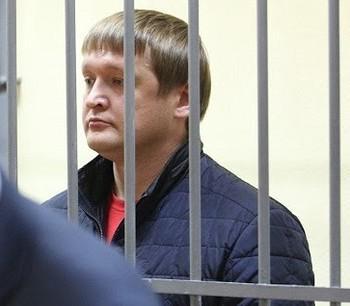 Взятку Олега Коноплева в 7,5 млн руб. оценили на 5 лет условно.
