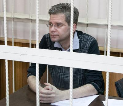 Евгений Гурьев помог застройщику в ущерб бюджету на 518 млн руб.